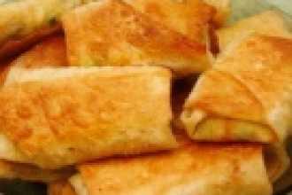 Закуски: рулеты из рисовой лапши и овощей с креветками