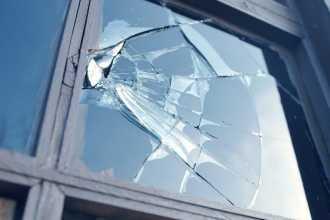 Трактование сновидений с разбитым окном по деталям