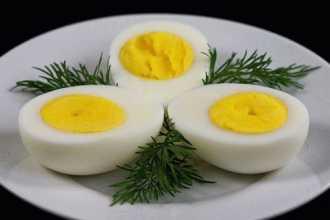 К чему снятся вареные яйца?