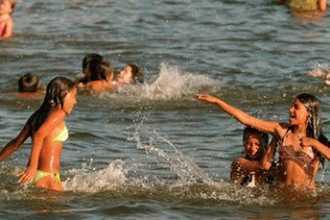 Купаться в море во сне — что это значит для женщины?