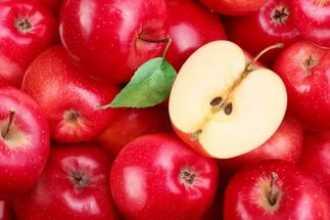 Что означают красные яблоки по сонникам — особенности толкования